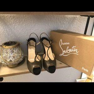 Peep-Toe Louboutin Sandals!!